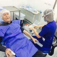 2 implantes en el sector anterior con injerto óseo 2