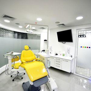 Dr_Matias_San_Martin-clinica-dental-sonrie-barros-errazurriz4